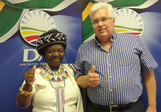Ready for action:  DA activist Nosimo Balindlela and DA legislature leader bobby Stevenson will be atending the State of the Province Address in Bhisho on Friday, 22 February 2013 to mark the official opening of the Eastern Cape Provincial Legislature for 2013.