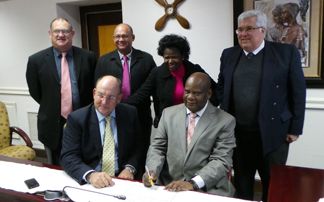 Athol Trollip (front left) was sworn in as a Member of the Eastern Cape Provincial Legislature by the Speaker, Fikile Xasa (front right) on Wednesday, 5 June 2013.  At the back, from left to right are DA-MPLs Dacre Haddon, Edmund van Vuuren, Veliswa Mvenya and Bobby Stevenson.