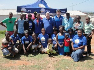 Maintaining momentum:  Legislature leader Bobby Stevenson (middle) joined DA activists in holding an information table in Ward 17 in New Brighton in the Nelson Mandela Bay Metro recently.