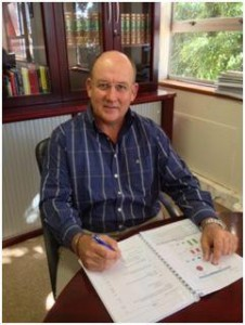 Caption: DA Leader in the Legislature Athol Trollip is pleased with the successful outcome of a land claim matter recently dealt with by his office