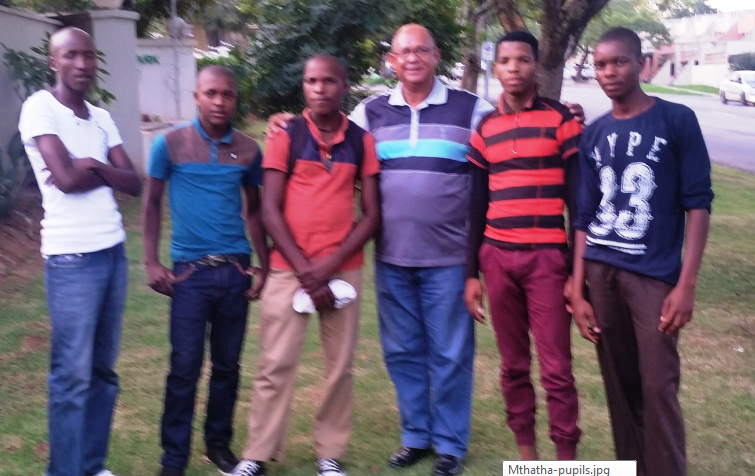 DA Shadow MEC for Education, Edmund van Vuuren (middle) has stepped in to help fight the expulsion of Gobizizwe Senior Secondary School pupils SiveTom, Avuma Ncume, Afika Pulula, Sizwe Manyifolo and Yandisa Nkanuka.